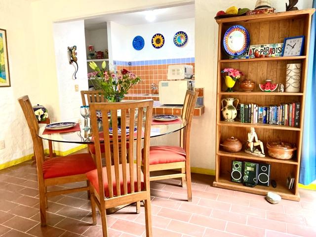 Casa Brisa - Dining room / Kitchen